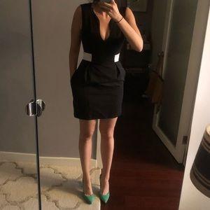 Black Halo Pocketed Mini Black dress